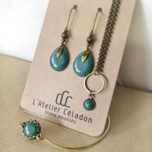 L'atelier Céladon parures de bijoux en émail
